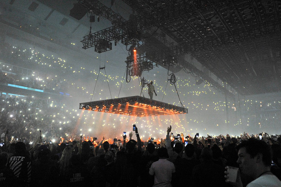 rs_1024x683-161007201009-1024-kanye-west-chicago-saint-pablo-kg-100716