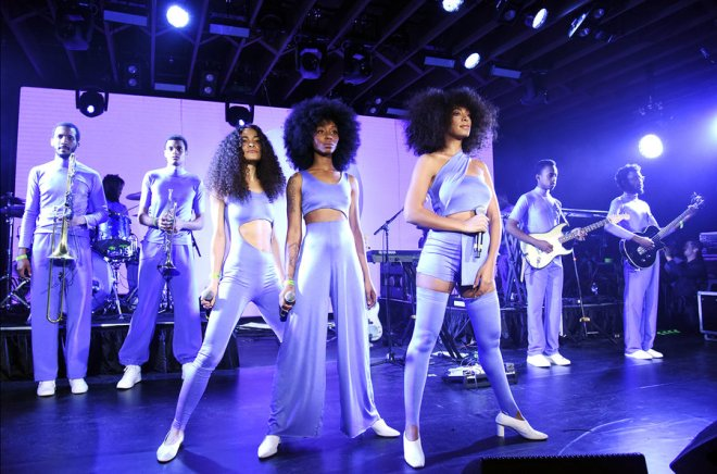Solange-performs-SXSW-march-2017-billboard-1548